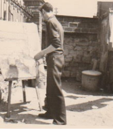 Jacques Braunstein en plein travail de peinture 1950